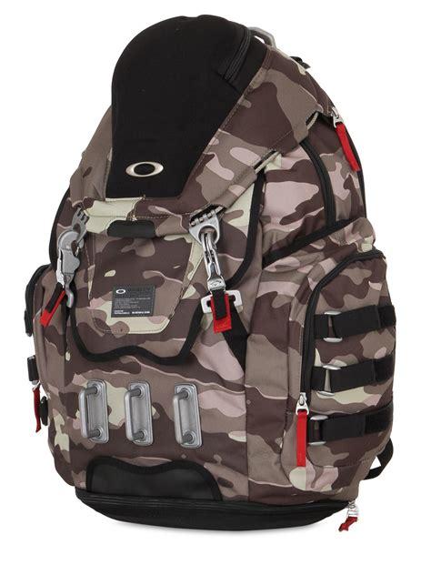 oakley kitchen sink backpack camo oakley 34l kitchen sink camo backpack in gray for lyst