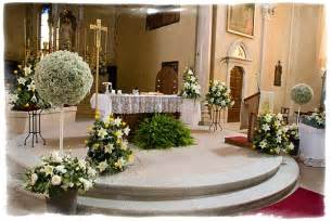 how to decorate for a wedding wedding decorations church wedding decorations flower arrangements