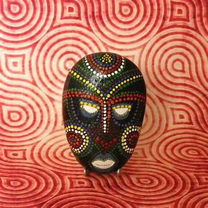 Masque Pour Peinture : galet peint masque africain tableaux peintures photo 1 ~ Edinachiropracticcenter.com Idées de Décoration