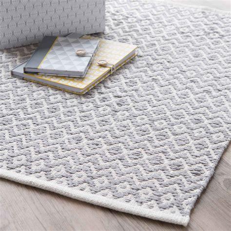 tapis en coton gris    cm tavira maisons du monde