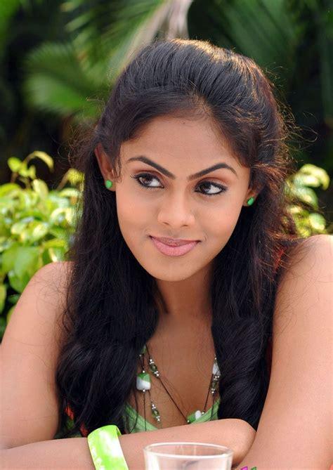 actress karthika tamil movie list tamil actress karthika in ko movie new photogallery stills