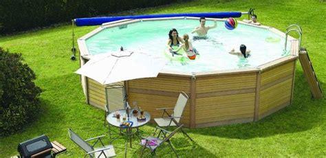 la piscine hors sol en bois composite tendance et durable