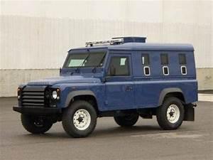 Nouveau Land Rover Defender : land rover defender inkas la fabrication de v hicules blind s ~ Medecine-chirurgie-esthetiques.com Avis de Voitures