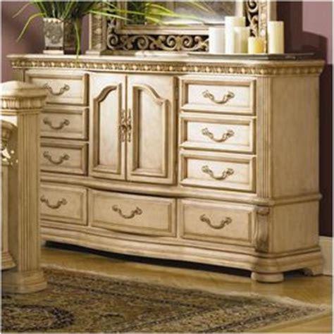 flexsteel wynwood collection cordoba media chest with open 1636 62 flexsteel wynwood furniture door dresser antiguo 11981