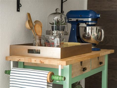 diy rolling kitchen island how to trick out a rolling kitchen cart how tos diy 6887