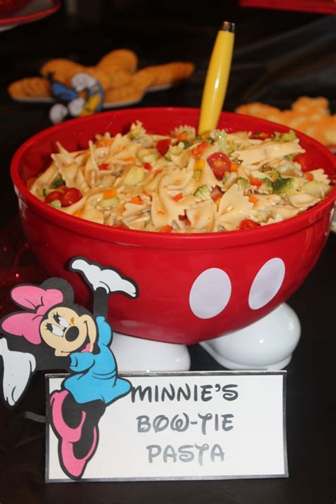 cuisine minnie 25 best ideas about mickey on mickey