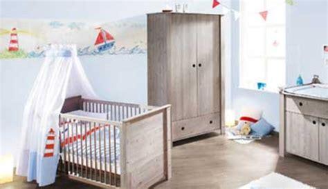 chambre style bord de mer une chambre de bébé dans un style bord de mer