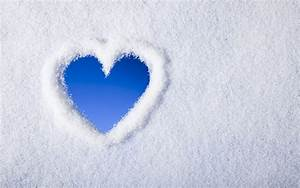 Blue Heart In Snow Winter Wallpapers - 1680x1050 - 679172