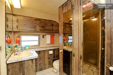 canapé bon plan intérieur d 39 une caravane américaine des ées 70