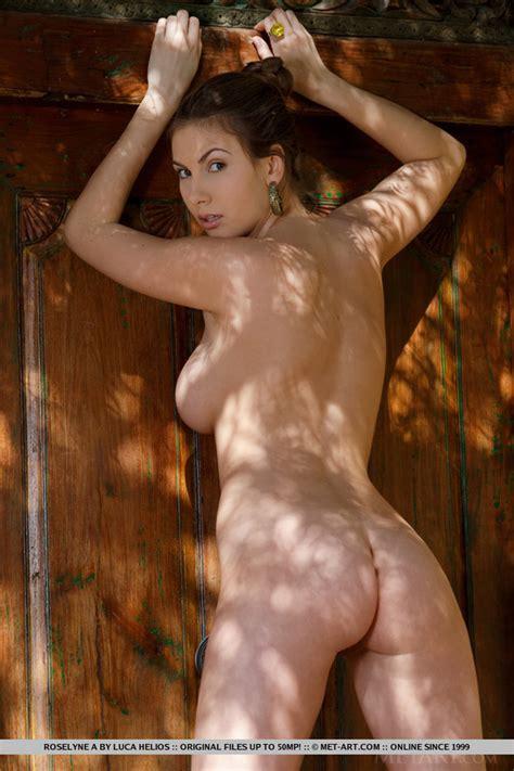 italian milf with huge tits reveals her pus xxx dessert picture 7