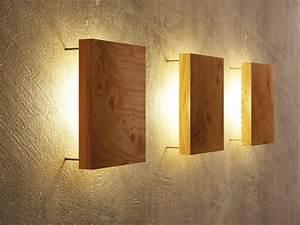 Lampen Aus Holz Selber Bauen : moderne wandleuchte aus holz von uniic ~ Lizthompson.info Haus und Dekorationen