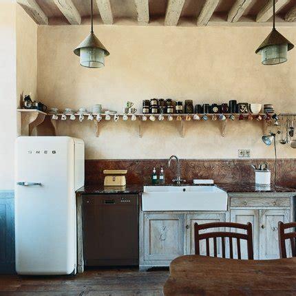 cuisine de charme ancienne une cuisine ancienne au charme surrané maison