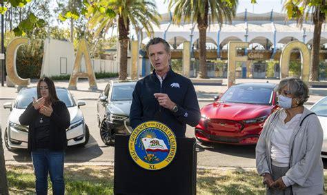 Kalifornijas gubernators paraksta uzņēmumu vadības ...