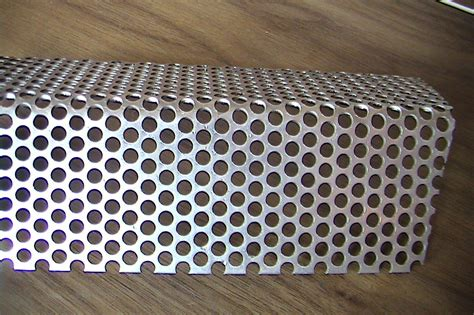 perforated metal wire mesh hardware cloth screen wire