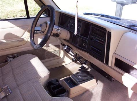 1986 jeep comanche interior jeep comanche interior pictures to pin on pinterest