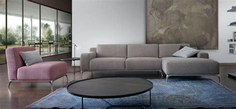 Rifoderare Divano Torino : Sofa Set On Steel Legs And Under Morgana 953, Calia Italia