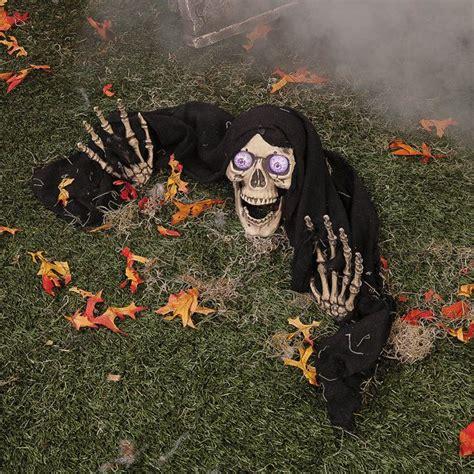 decoration halloween pour  jardin qui donne la chair de