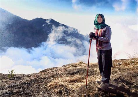 Syari Jelita 19 pendaki cantik yang bikin kamu bersyukur tinggal di