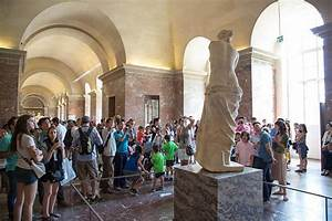 The best way to see The Venus de Milo at the Louvre Museum ...