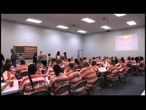 Calhoun County Jail Holds a Thanksgiving Meal - YouTube