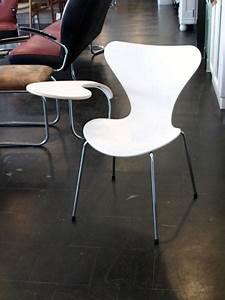 Stuhl Mit Schreibplatte : ruempelstilzchen stuhl arne jacobsen serie 7 fritz hansen ~ Frokenaadalensverden.com Haus und Dekorationen