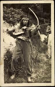 Pfeil Und Bogen Berlin : foto ansichtskarte postkarte indianer mit pfeil und ~ Markanthonyermac.com Haus und Dekorationen
