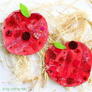 Easy Apple Collage Craft