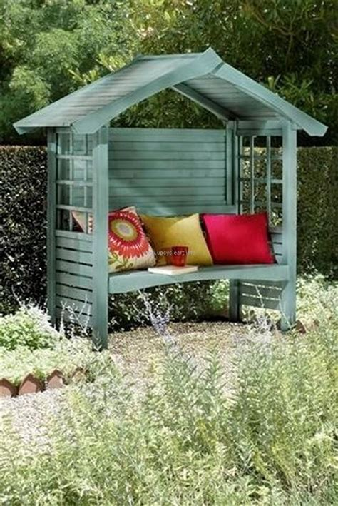 pallet creations for patio upcycle