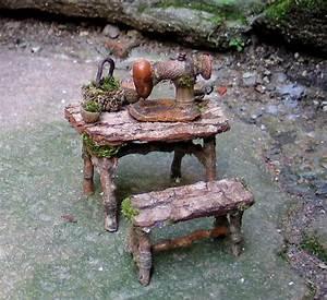 17 meilleures idees a propos de jardin de maison feerique With sculpture moderne pour jardin 2 decorez votre cour avec les nains de jardin