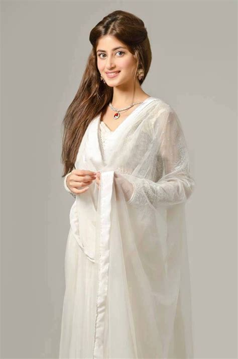 Sajal Ali Without Makeup Pic   newhairstylesformen2014.com