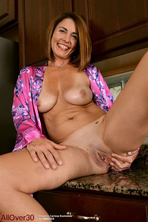 Year Old Carissa Dumonde Exclusive MILF Pictures From