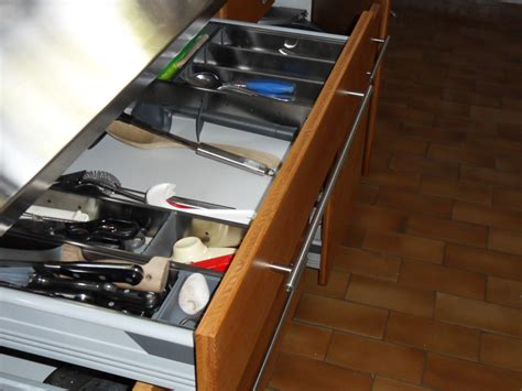 menuisier cuisine sur mesure cuisine sur mesure avec plan de travail inox menuiserie