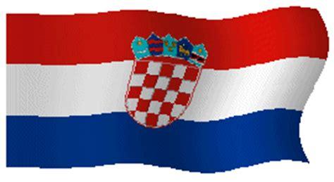 le canapé gif sur yvette croatie