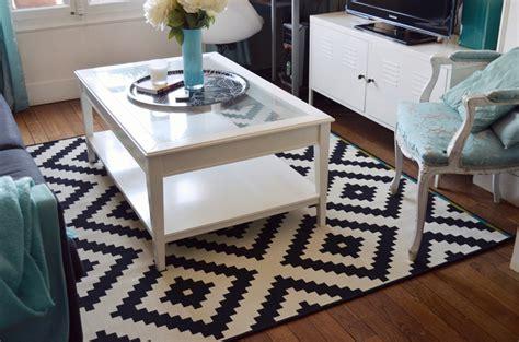 tapis noir et blanc graphique id 233 es de d 233 coration int 233 rieure decor