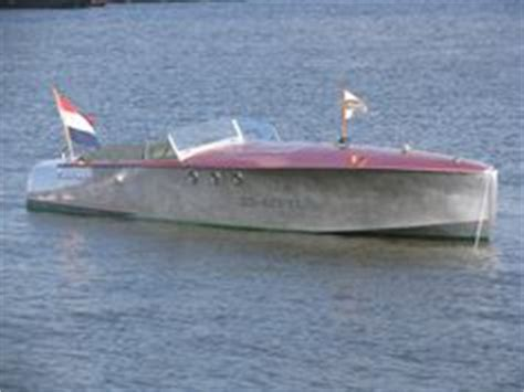 Runabout Boat Comparison by Donzi 22 Classic Boats Vintage And Search