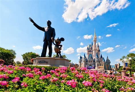 Cinderella Castle At Night Wallpaper Walt Disney World The Best Landmark Of Orlando Florida Traveldigg Com
