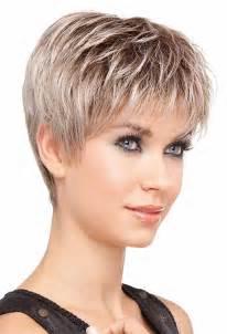 couper cheveux modèle de coupe de cheveux courte pour femme