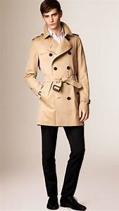 Trench Coat Burberry Homme : lyst burberry the kensington mid length heritage trench coat in natural for men ~ Melissatoandfro.com Idées de Décoration