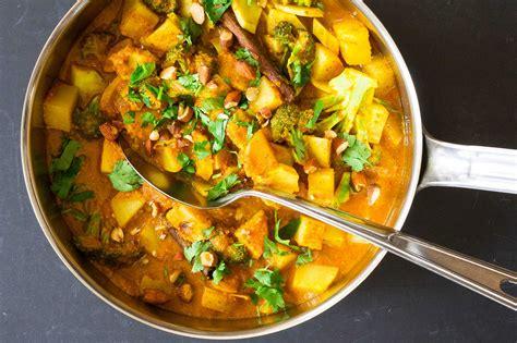 curry cuisine potato and broccoli curry recipe simplyrecipes com
