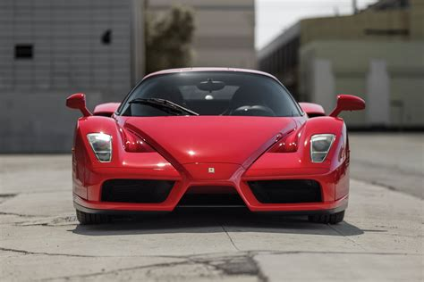 Over the years ferrari has introduced a series of supercars which have represented the very pinnacle of the company's technological achievements transferred. FERRARI Enzo specs & photos - 2002, 2003, 2004 - autoevolution