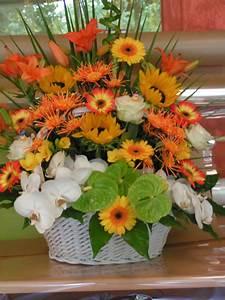 Composition Fleurs Séchées : perles de fleurs compositions perles de fleurs composition bouquets ronds bouquets hauts ~ Teatrodelosmanantiales.com Idées de Décoration