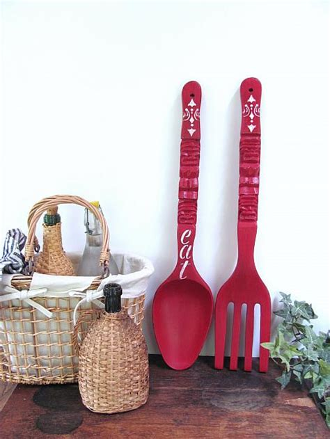 Check out our wall decoration selection for the very best in unique or custom, handmade pieces from our декор на стены shops. Giant Fork and Spoon Makeover with Chalky Finish - Project by DecoArt