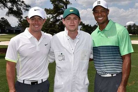 siege caddie direction niall horan slips caddying for rory