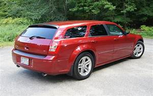 2005 Dodge Magnum R  T Owners Manual