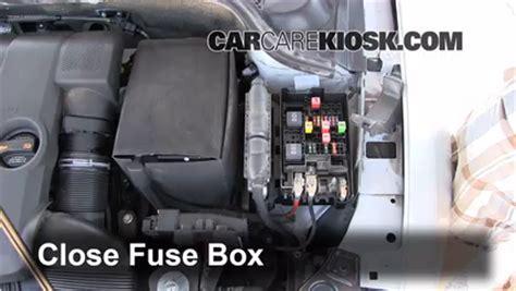 Replace Fuse Volkswagen Jetta