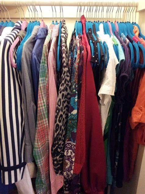 organise  lot  clothing    closet