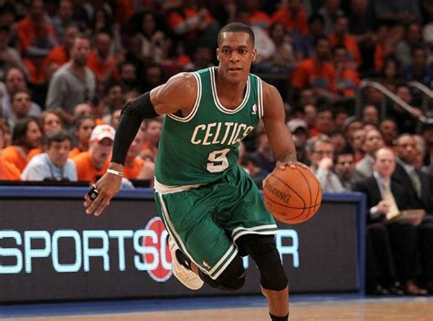 Chicago Bulls Sign Rajon Rondo, but Not Clearly Picking a Lane