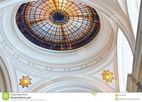 lucernario cupola cupola lucernario vetro macchiato fotografia stock