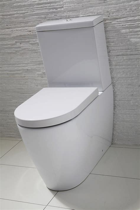 emme flush  wall toilet  soft close seat