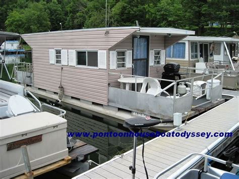 Houseboat Pontoons by 38 Best Images About Houseboats On